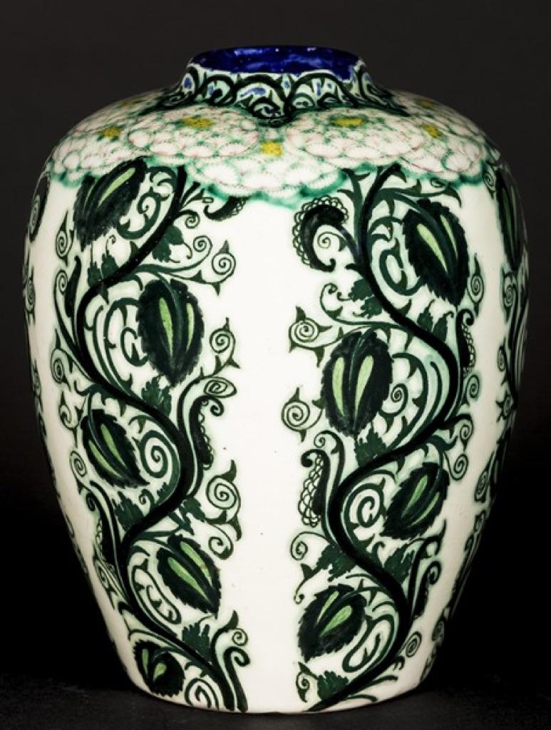 """Durante gli orari della festa """"ciotole cuore di nove"""", stand. Ceramica Deco Il Gusto Di Un Epoca Mic Museo Internazionale Delle Ceramiche Faenza 2017 Artribune"""