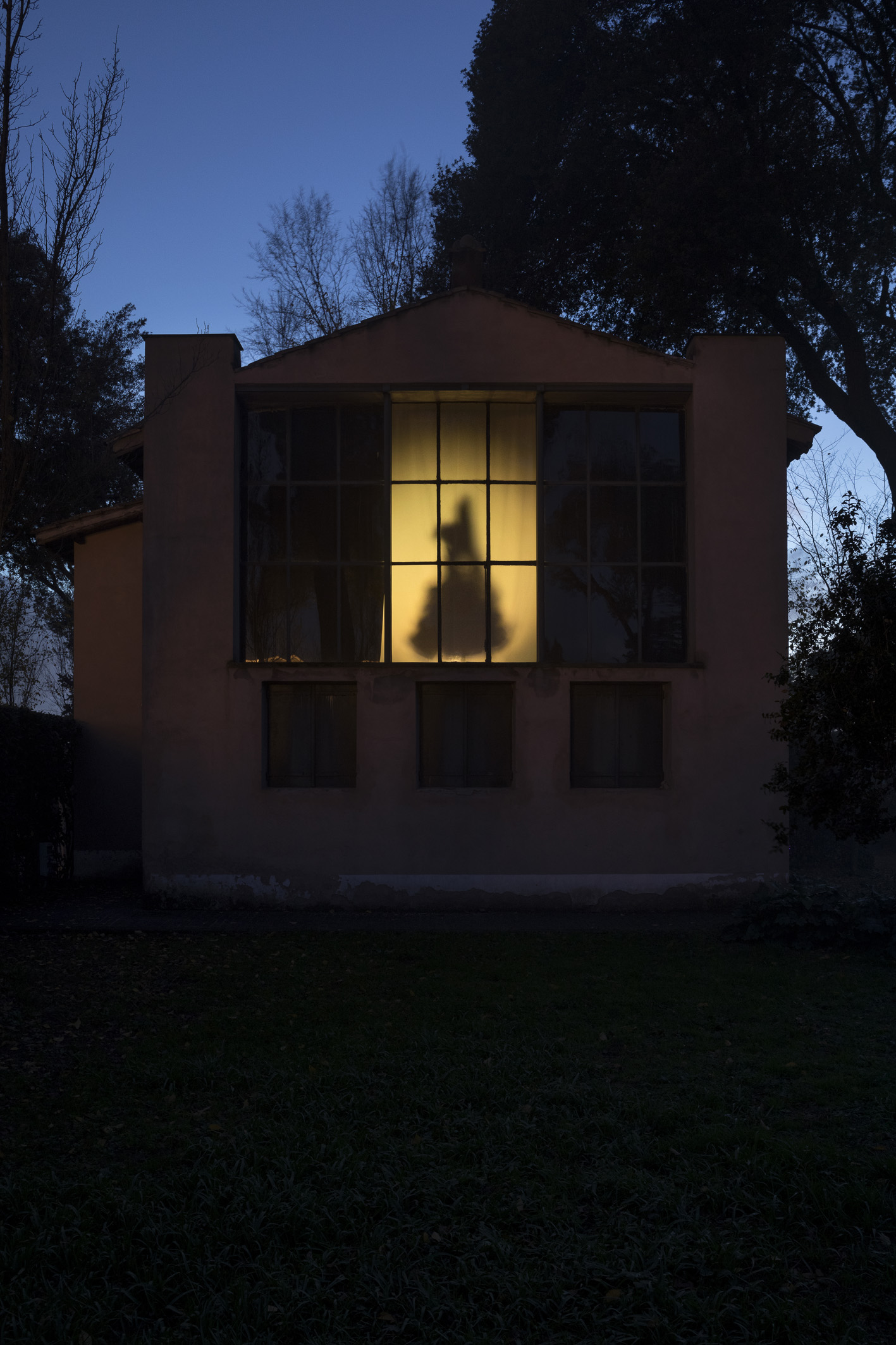 Una mostra aperta di notte a Villa Medici  Artribune