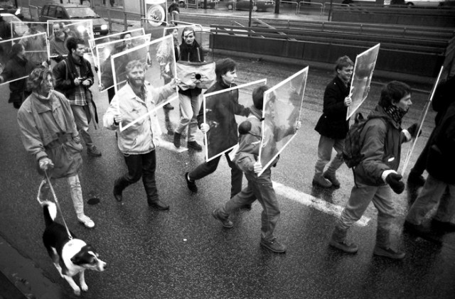 Lucius Burckhardt, Autofahrerspaziergang (La passeggiata dell'automobilista), Kassel, 1993. Photo Bertram Weisshaar – Courtesy Quodlibet