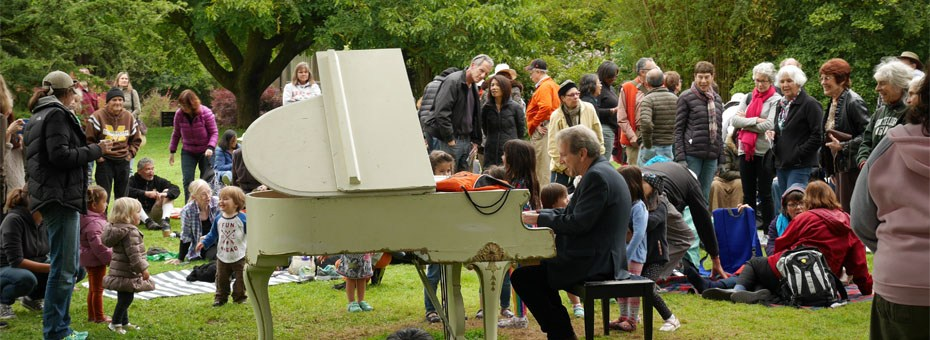 Flower Piano Sing-Along