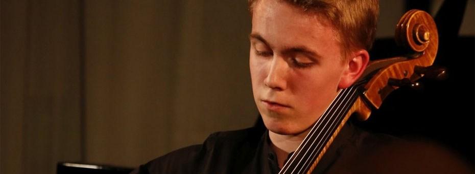 MUSIC | Michał Balas - first-place cello winner performs Pyotr Ilyich Tchaikovsky