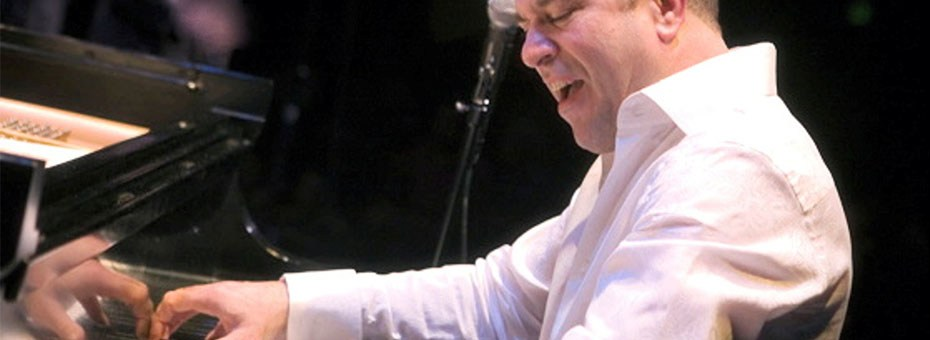 MUSIC | Three-time Grammy Award Winner Oscar Hernández has long been considered one of the most gifted and prominent pianist/ arrangers on the contemporary Latin, Latin-jazz and salsa music scene.