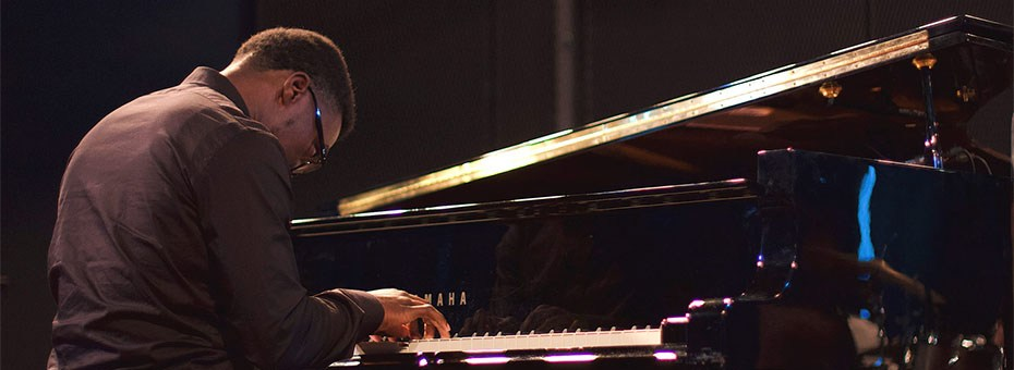 MUSIC | Paul Cornish is a pianist and composer from Houston, Texas, who currently resides in Los Angeles, California.