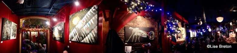 Les Tableaux de Klody dans l'ambiance de Noël au Fou Bar Québec Photo @Lise Breton