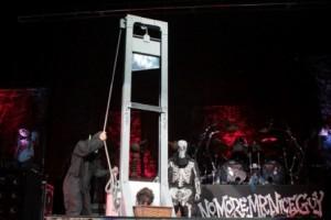 guillotine_alice
