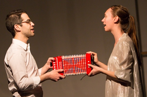 Dave Ruder and Gelsey Bell singing in Kimberly Bartosik's You are my heat and glare. Photo: Yi-Chun Wu