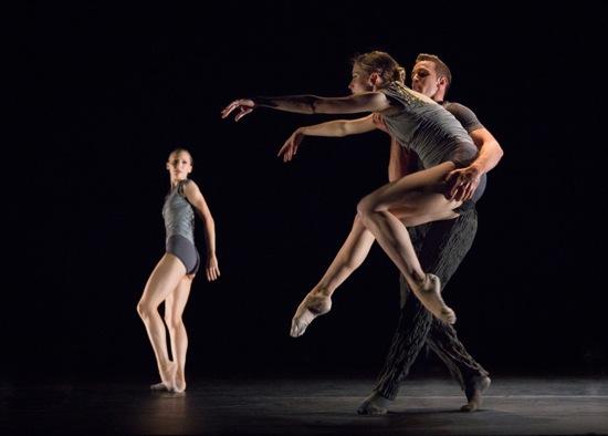 Alejandro Cerrudo's Memory Glow. PNB dancers: Elizabeth Murphy (L), Leah Merchant, and Raphaël Bouchard. Photo: Yi-Chun Wu