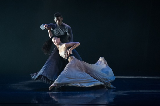 Lloyd Knight and Ying Xin in Antonis Foniadakis's Echo. Photo: Christopher Duggan