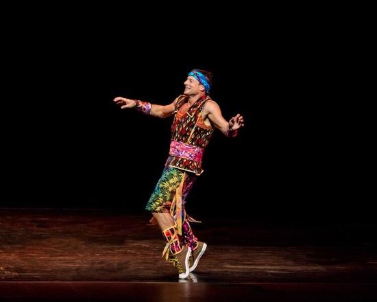 John Selya in Tharp's Yowzie. Photo: Ruven Afanador