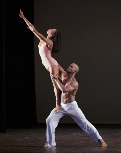 Linda Celeste Sims and Glenn Allen Sims in the pas de deux from Christopher Wheeldon's After The Rain. Photo: Paul Kolnik