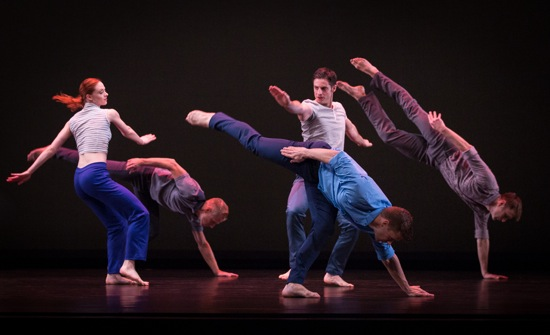 Doug Elkins's The Weight of Smoke. Paul Taylor's dancers (L to R): Heather McGinley, Michael Trusnovec, Michael Apuzzo, Michael Novak, and James Sansom. Photo: Yi-Chun Wu
