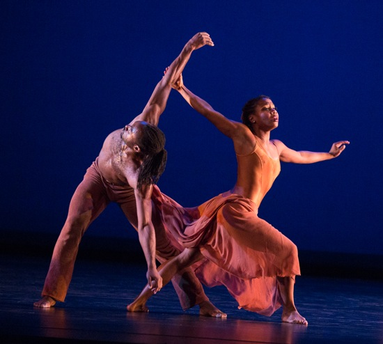 Quentin A.V. Sledge and Alexis Bitford of Dayton Contemporary Dance Company in Donald McKayle's Rainbow 'Round My Shoulder. Photo: Yi-Chun Wu
