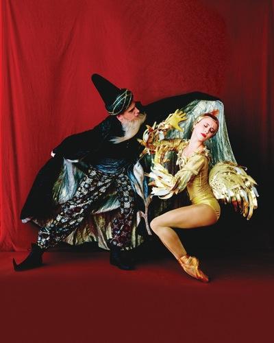 Duncan Lyle as the Astrologer and Skylar Brandt as the Golden Cockerel. Studio shot by Fabrizio Ferri
