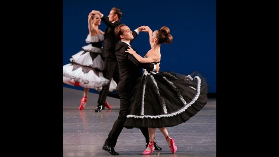 Peter Martins's Bal de Couture. Foreground: Jared Angle and Maria Kowroski. Photo: Paul Kolnik