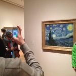 How Smartphones Are Ruining The Museum Experience