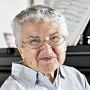 This Pianist Is About To Turn 90, And She Still Does Concert Tours – Alone