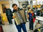 A New Mission For Canadian Libraries: Lending Musical Instruments