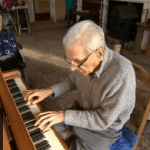 93-Year-Old Suddenly Remembers He Plays Piano, Reunites With His Band