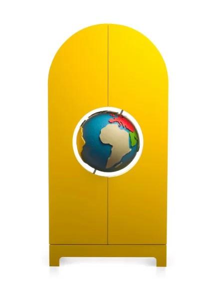02-gufram-globe