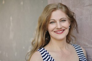 Acclaimed South African born soprano Johanni van Oostrum will join the cast of Cape Town Opera's forthcoming production of Der fliegende Holländer.