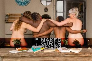 Naked Girls Reading