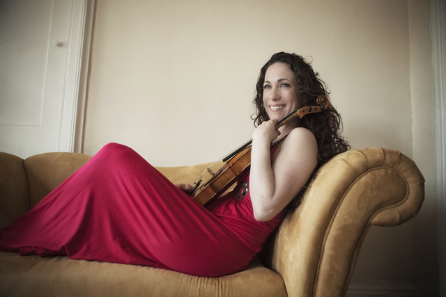 Cape Town-born violinist, Sarita Uranovsky will return to South Africa for a 2-week concert tour in June.