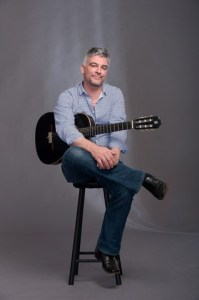 Guitarist James Grace visits Spain in the Midlands