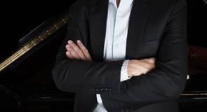 Master-cellist Gary Hoffman