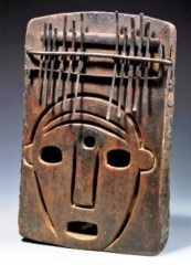 Sukuma, Tanzania. Thumb piano, undated, wood, metal, 11 x 17 inches. Collection of the QCC Gallery, the City University of New York.)