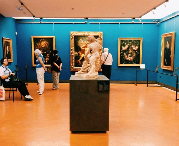 People In Uffizi - Arttravarttrav