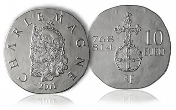 """Франция, 10 евро из серебра, посвященные Карлу Великому - победитель среди """"королевских монет"""""""