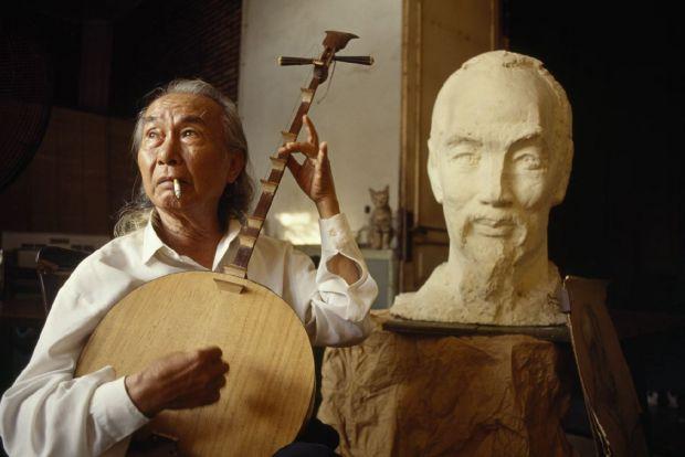 Sculptor Diep Minh Chau