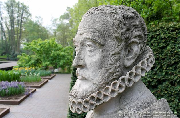 Carolus-Clusius-statue-Keukenhof