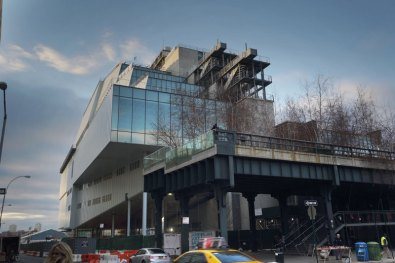 A view of the High Line and the building's eastern face, Photoby Ed Lederman