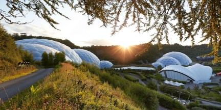 Nicholas Grimshaw and Partners, The Eden Project, 2001. Ph. Hufton Crow (2)