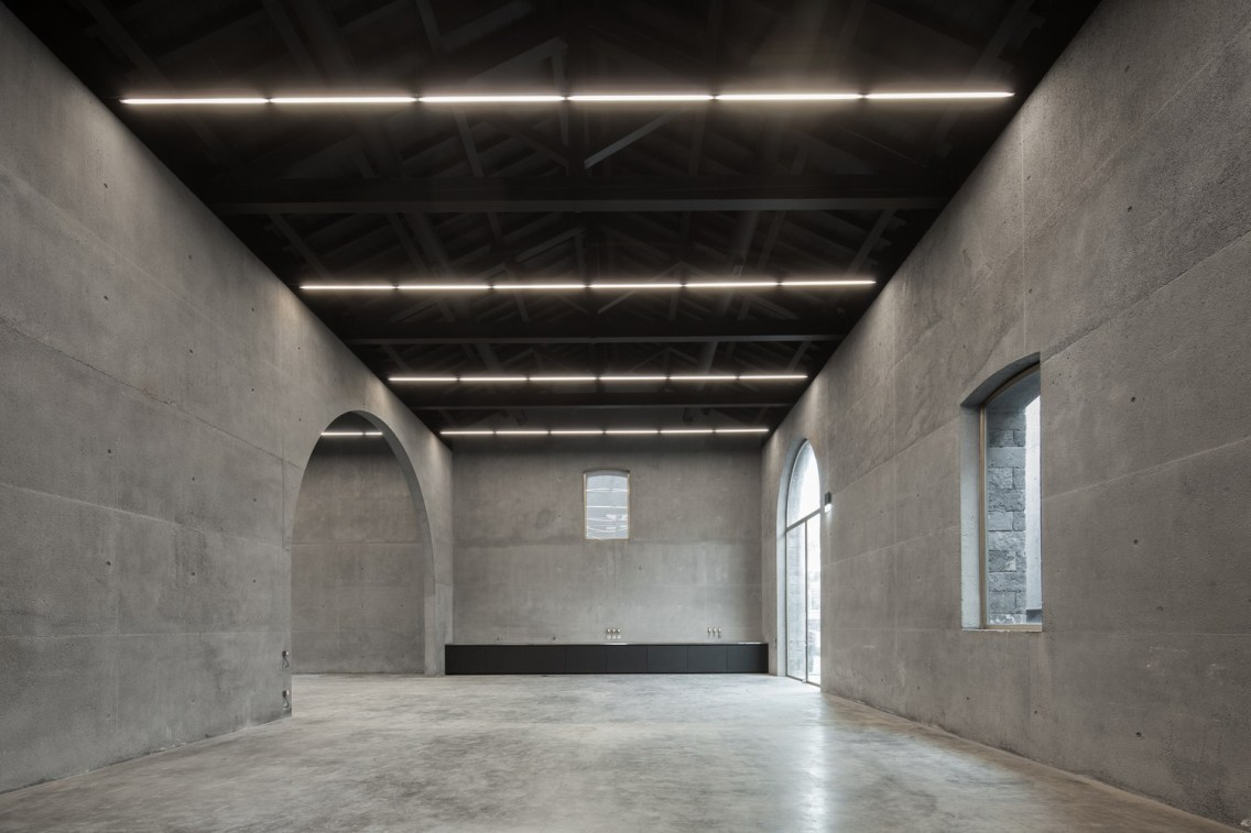 Arquipélago Contemporary Arts Centre - João Mendes Ribeiro + Menos é Mais Arquitectos - © José Campos