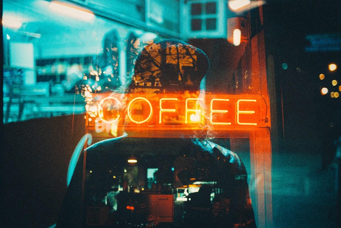 Neon Life / Louis Dazy