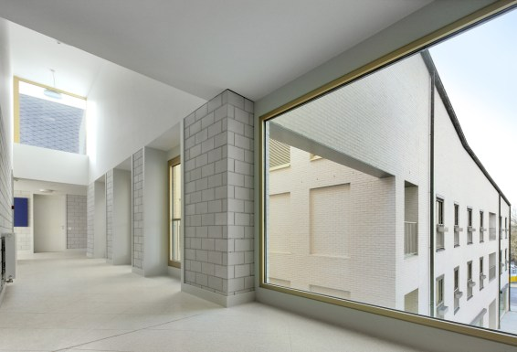 Filip Dujardin_ Housing and Social Center, de Vylder Vinck Taillieu, DRDH Architects (5)