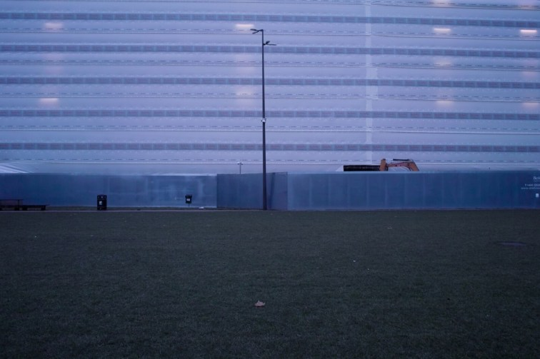 Tamás Olajos – London Falling