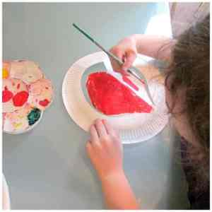 Arty Crafty Kids - Art and Craft Ideas - Paper Plate Heart Crown