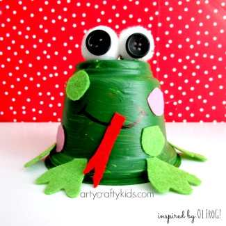 Arty Crafty Kids - Book-Club - Recycled Frog Craft for Kids