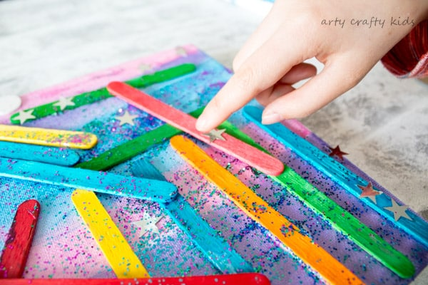 Arty Crafty Kids | Art | Craft Stick Canvas Art | Get arty with popsicle sitcks! a fun and unique art projects for kids.