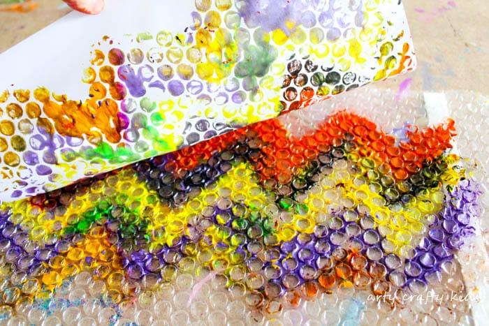 Arty Crafty Kids | Art | Bubble Wrap Printing