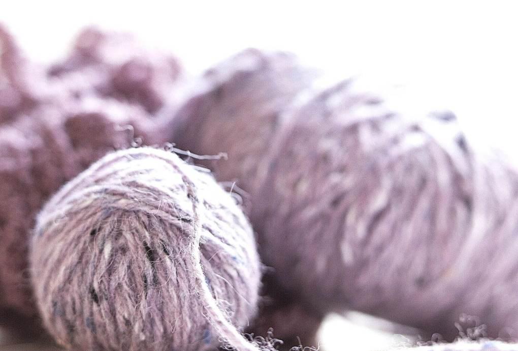 Picture of light purple wool yarn