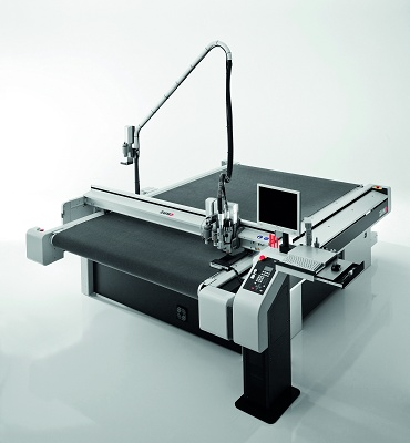 ZUND LR 1600 CUTTING TABLE Cutting and milling machine. For all kind of materials, rigid or flexible: PCV, foam, cardboard, canvas, etc.