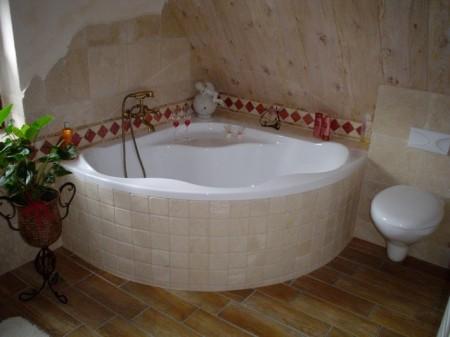 Arzgebirgspension  Badezimmer Dachgeschoss
