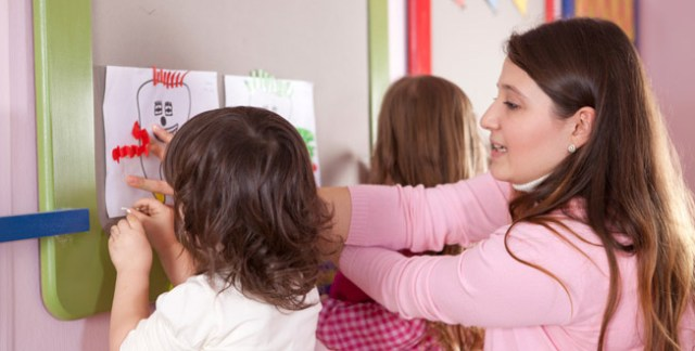 The Use of Arts and Craft Projects to Educate the Students Effectively