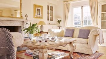 The Do's And Don'ts Of Styling Cushions