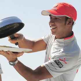 Hamilton pide que De la Rosa vuelva a McLaren