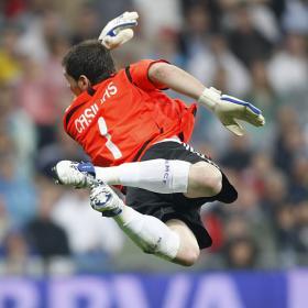 Casillas ha sido elegido por tercera vez mejor portero del mundo por la Federación Internacional de Estadísticas del Fútbol.